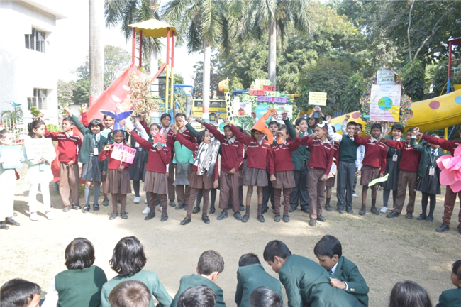 Students of Class II and Deeptabh observed National Pollution Prevention Day with the message of Oneness.